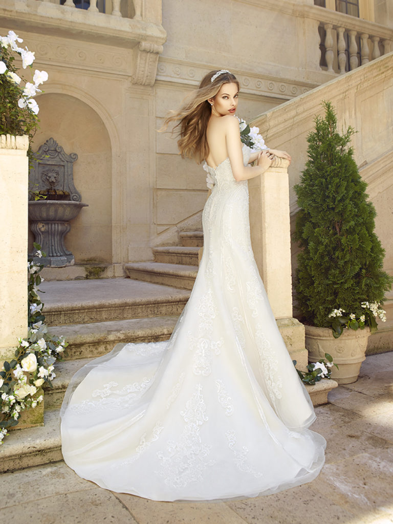 Sample Sale Amp Clearance Gowns The Blushing Bride Boutique
