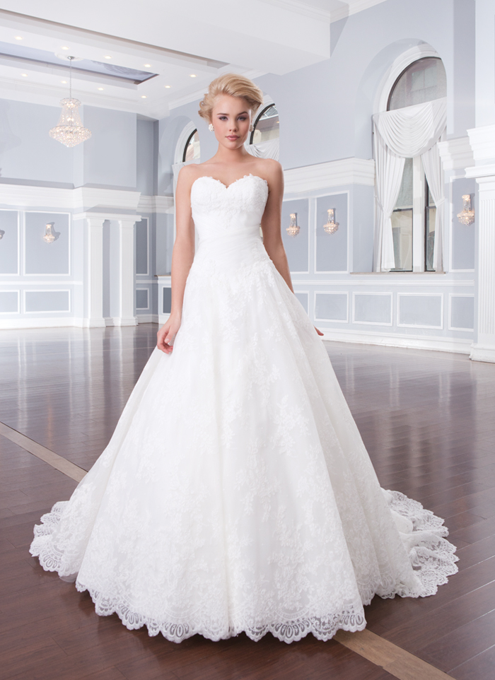 Lillian West 6320 - Off the Rack Bridal - The Blushing Bride boutique in Frisco, Texas