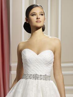 Moonlight J6324 close - The Blushing Bride Boutique / Off the Rack