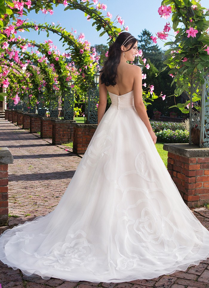 Sincerity Bridal 3910 - A sweetheart tulle ball gown with laser cut crinkle organza, hand placed floral details, and a chapel length train perfect for the romantic bride - The Blushing Bride boutique in Frisco, Texas
