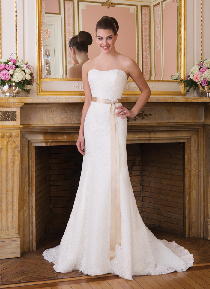 Sweetheart 6008 at The Blushing Bride Boutique / Off the Rack