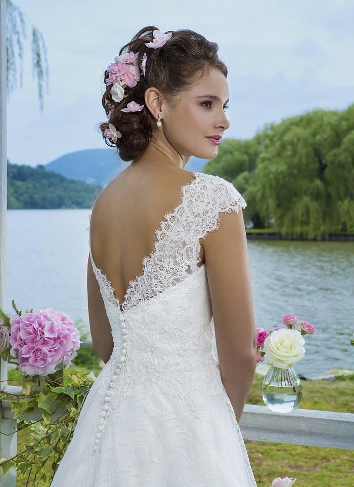 Sweetheart 6095 Back - The Blushing Bride Boutique / Off the Rack