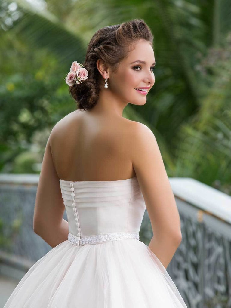 Sweetheart 6131 back close - The Blushing Bride Boutique / Off the Rack