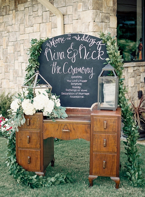 furniture-at-a-wedding