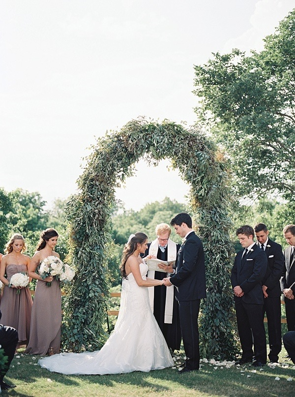 greenery-arch-ceremony