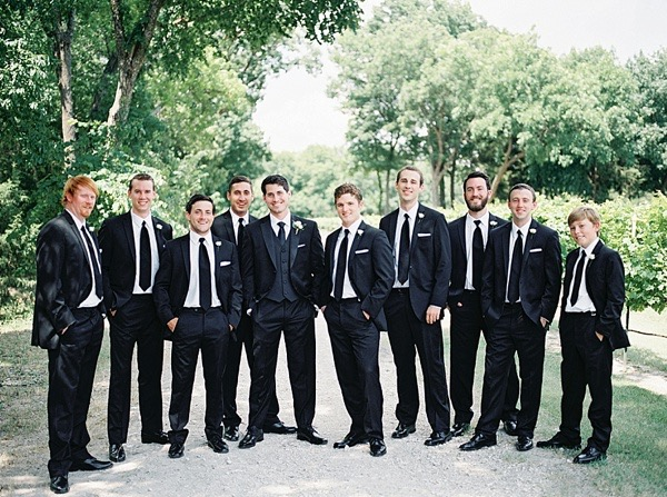 suit-and-tie-groomsmen