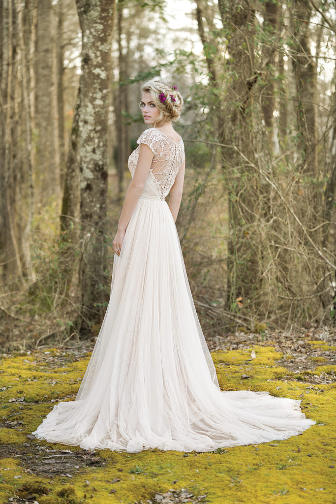 Boho chic wedding dresses the blushing bride boutique for Vintage wedding dresses dallas