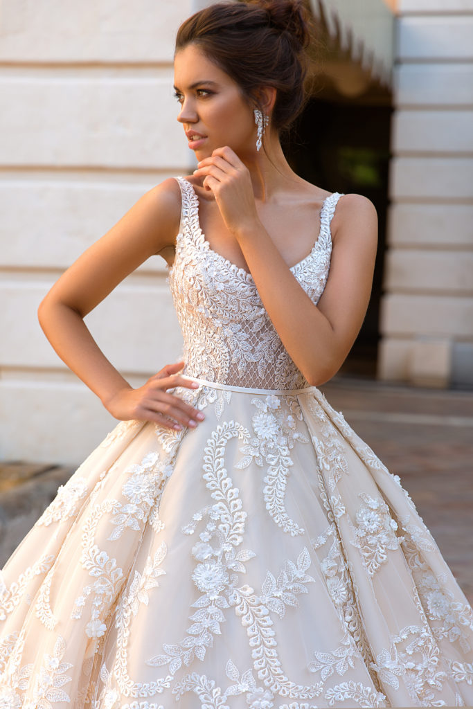 Etolie by Crystal Design - The Blushing Bride boutique in Frisco, Texas
