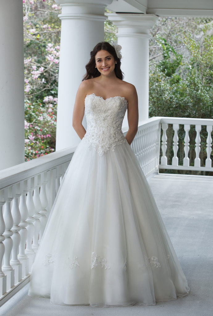 Sincerity Bridal 3953 - The Blushing Bride boutique in Frisco, Texas for Plus Size Wedding Gowns