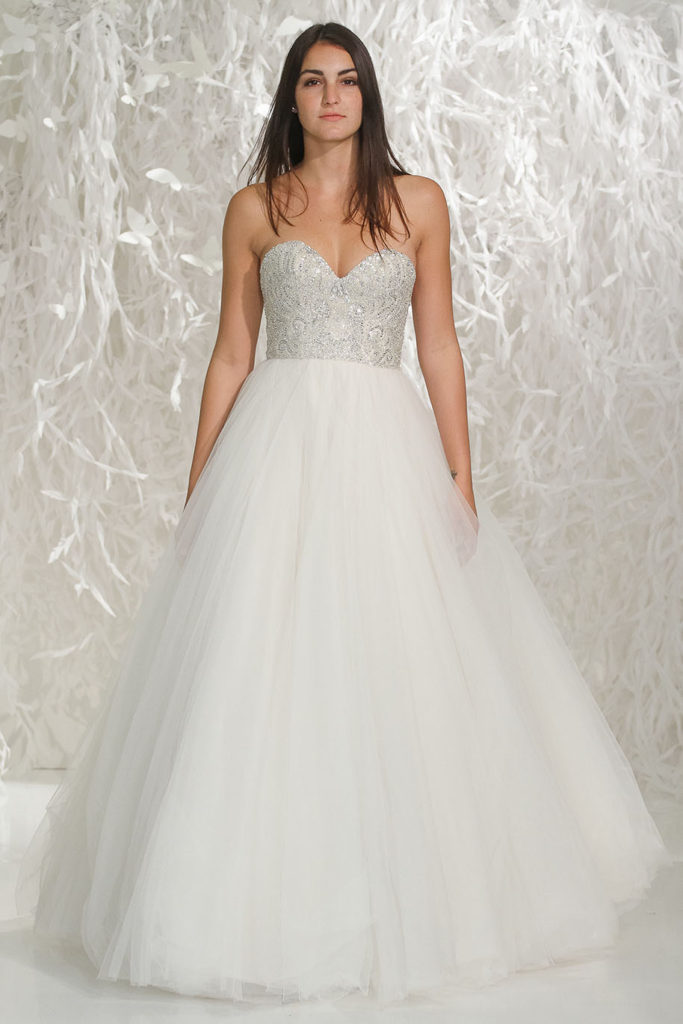 Wtoo Dawn 16205, Size 10, Color as Shown, Oyster/Silver, $1,690